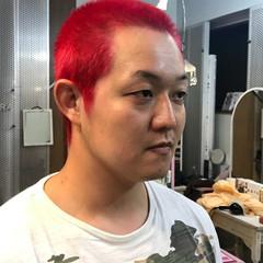 ショート ボーイッシュ ピンク ストリート ヘアスタイルや髪型の写真・画像