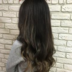 大人女子 ロング グレー 外国人風 ヘアスタイルや髪型の写真・画像