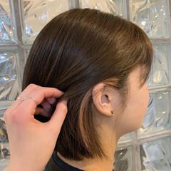 インナーカラー ボブ ナチュラル キャラデコミュゼリア ヘアスタイルや髪型の写真・画像