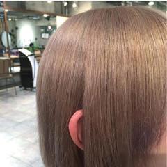 モード アッシュベージュ ミディアム ハイライト ヘアスタイルや髪型の写真・画像