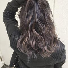 セミロング アッシュ グラデーションカラー ハイライト ヘアスタイルや髪型の写真・画像