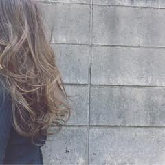 ナチュラル 外国人風カラー イルミナカラー ロング ヘアスタイルや髪型の写真・画像