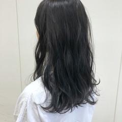 ブリーチなし 透明感 ホワイトグレージュ フェミニン ヘアスタイルや髪型の写真・画像