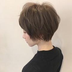ショート 暗髪 フェミニン 大人かわいい ヘアスタイルや髪型の写真・画像