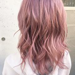 ピンクアッシュ 外国人風カラー ミディアム ベージュ ヘアスタイルや髪型の写真・画像