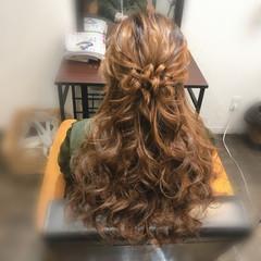 ブライダル ヘアセット ねじり フェミニン ヘアスタイルや髪型の写真・画像