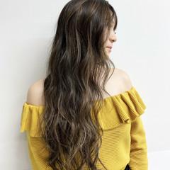 バレイヤージュ ハイライト グラデーションカラー エアータッチ ヘアスタイルや髪型の写真・画像