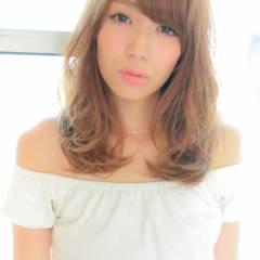 大人かわいい フェミニン ナチュラル 外国人風 ヘアスタイルや髪型の写真・画像
