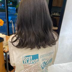 ミディアム ラベンダーグレージュ ナチュラル ラベンダーグレー ヘアスタイルや髪型の写真・画像