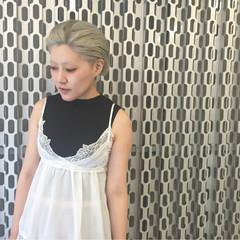 ハイトーン シルバー ダブルカラー モード ヘアスタイルや髪型の写真・画像