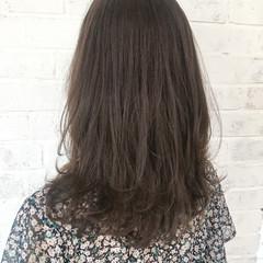 レイヤーカット 抜け感 ブラウンベージュ デート ヘアスタイルや髪型の写真・画像