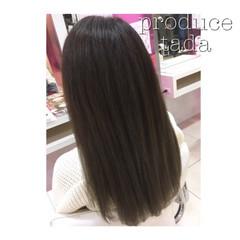 グレー グラデーションカラー グレーアッシュ ロング ヘアスタイルや髪型の写真・画像