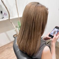 ロング ミルクティーベージュ ブリーチ ブリーチカラー ヘアスタイルや髪型の写真・画像