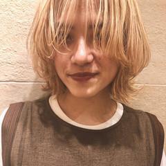 ボブ ウルフカット ハイトーンカラー ブロンド ヘアスタイルや髪型の写真・画像