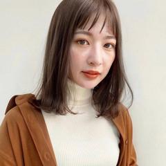 鎖骨ミディアム レイヤーカット ミディアムレイヤー レイヤースタイル ヘアスタイルや髪型の写真・画像