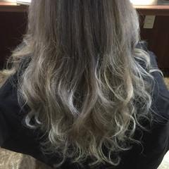グラデーションカラー アッシュグレージュ 外国人風 ガーリー ヘアスタイルや髪型の写真・画像