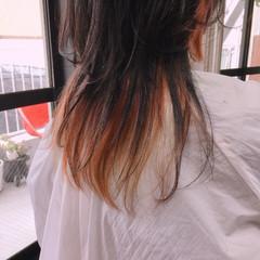 ラベンダーピンク ショートボブ ストリート 切りっぱなしボブ ヘアスタイルや髪型の写真・画像
