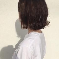 ヌーディーベージュ ナチュラル バレイヤージュ 切りっぱなし ヘアスタイルや髪型の写真・画像