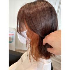 ガーリー インナーカラー ミディアム オレンジカラー ヘアスタイルや髪型の写真・画像