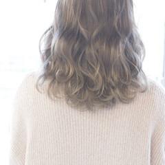 ホワイト 大人女子 こなれ感 ストリート ヘアスタイルや髪型の写真・画像