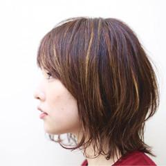伸ばしかけ モード ミディアム ハイライト ヘアスタイルや髪型の写真・画像
