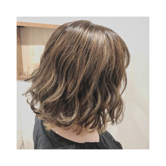 ストリート インナーカラー オフィス ママ ヘアスタイルや髪型の写真・画像