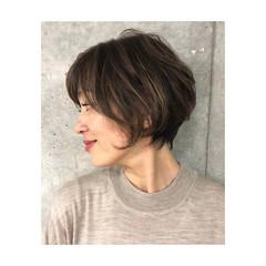 ラフ ナチュラル 大人ハイライト パーマ ヘアスタイルや髪型の写真・画像