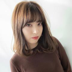 デート 簡単ヘアアレンジ セミロング 大人かわいい ヘアスタイルや髪型の写真・画像