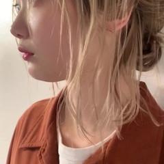 簡単ヘアアレンジ ハイトーンボブ ナチュラル ボブ ヘアスタイルや髪型の写真・画像