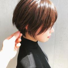 ナチュラル ショート ハンサムショート 小顔ショート ヘアスタイルや髪型の写真・画像