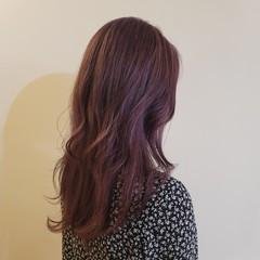 バイオレットカラー ブリーチオンカラー ストリート アンニュイほつれヘア ヘアスタイルや髪型の写真・画像