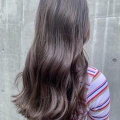 グレージュ シアーベージュ ベージュ ロング ヘアスタイルや髪型の写真・画像