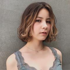 アンニュイ 外国人風カラー ナチュラル 波ウェーブ ヘアスタイルや髪型の写真・画像