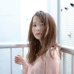 透明感 フェミニン ナチュラル セミロング ヘアスタイルや髪型の写真・画像