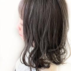 アッシュ ボブ グレージュ 秋 ヘアスタイルや髪型の写真・画像