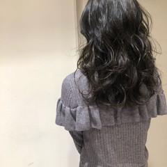デート オフィス 黒髪 フェミニン ヘアスタイルや髪型の写真・画像