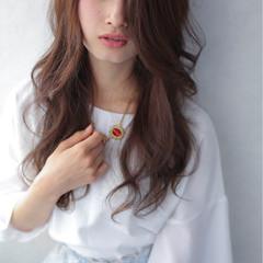 外国人風 冬 ピュア 外ハネ ヘアスタイルや髪型の写真・画像
