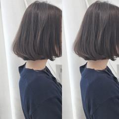 フェミニン 透明感 シアーベージュ ボブ ヘアスタイルや髪型の写真・画像