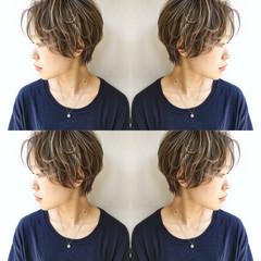 雨の日 ウェーブ 外国人風 ヘアアレンジ ヘアスタイルや髪型の写真・画像