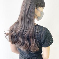 ゆるふわパーマ 大人ロング ロング ナチュラル ヘアスタイルや髪型の写真・画像