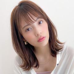 アンニュイほつれヘア 極細ハイライト ミディアムレイヤー フェミニン ヘアスタイルや髪型の写真・画像