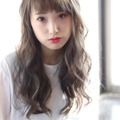 セミロング 前髪あり ストリート フェミニン ヘアスタイルや髪型の写真・画像