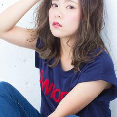 グラデーションカラー ハイライト グレージュ 外国人風 ヘアスタイルや髪型の写真・画像