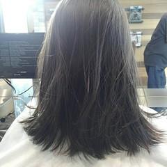 ナチュラル 前髪あり ミディアム グレージュ ヘアスタイルや髪型の写真・画像