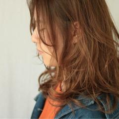 透明感 女子会 ハイライト セミロング ヘアスタイルや髪型の写真・画像