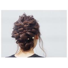 ヘアアレンジ ねじり 結婚式 セミロング ヘアスタイルや髪型の写真・画像