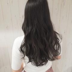 グレージュ 艶髪 ダークアッシュ アッシュ ヘアスタイルや髪型の写真・画像