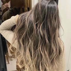 バレイヤージュ グラデーションカラー ミディアム エレガント ヘアスタイルや髪型の写真・画像