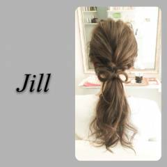 ねじり ヘアアレンジ ローポニーテール ショート ヘアスタイルや髪型の写真・画像