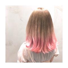 ストリート ダブルカラー グラデーションカラー ピンク ヘアスタイルや髪型の写真・画像